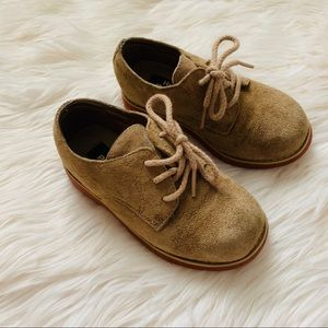 Tan suede HP dress shoe